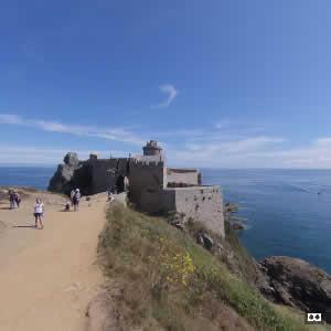 Aux portes du fort aux couleurs de Bretagne, le fort La Latte - Bretagne 22240 - couleursdebretagne.fr