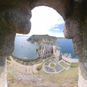 Les fortifications du fort La Latte aux couleurs de Bretagne - Bretagne 22240 - couleursdebretagne.fr